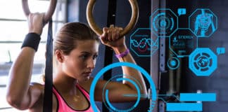 EIne junge Frau beim Training, Self-Tracking Apps im Vordergrund